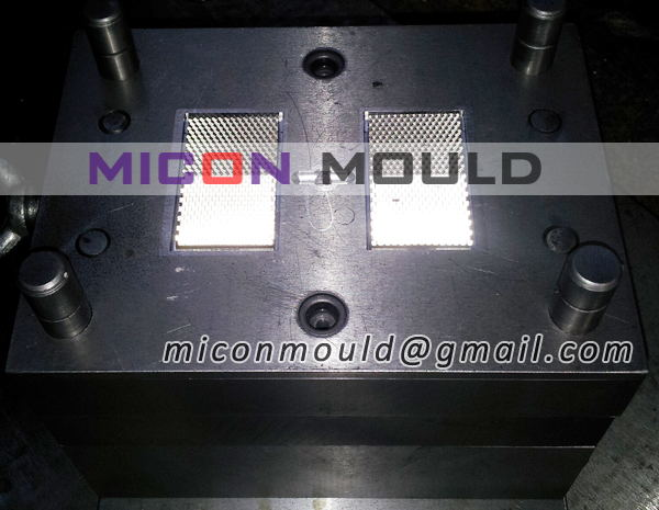 reflecting road stud mould