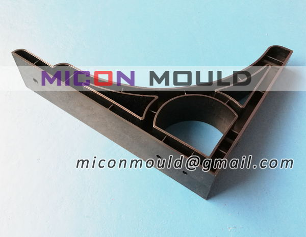 triangular shelf bracket mould